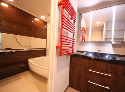 ホテルライクな洗面台へリフォーム